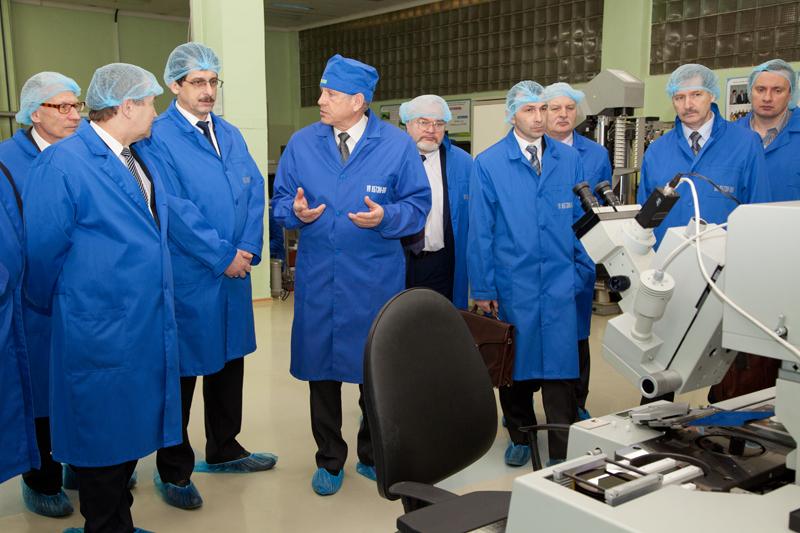 ОАО «КБТЭМ-ОМО» Кластер в сфере микро-, опто-, СВЧ-электроники и точного электронного машиностроения в Беларуси
