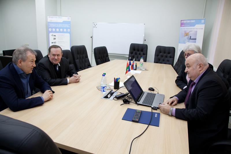 Академик Г.Я. Красников посетил ОАО «КБТЭМ-ОМО»