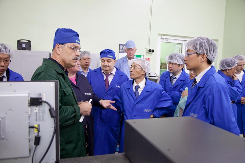 Визит в ОАО «КБТЭМ-ОМО» делегации Шанхайской муниципальной комиссии по науке и технологии»